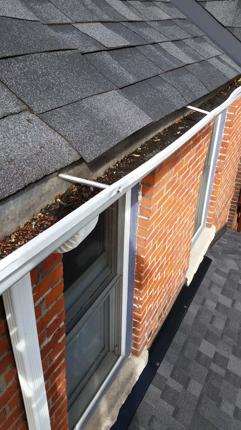 Gutter Cleaning Richmond Hill Solid Eavestrough
